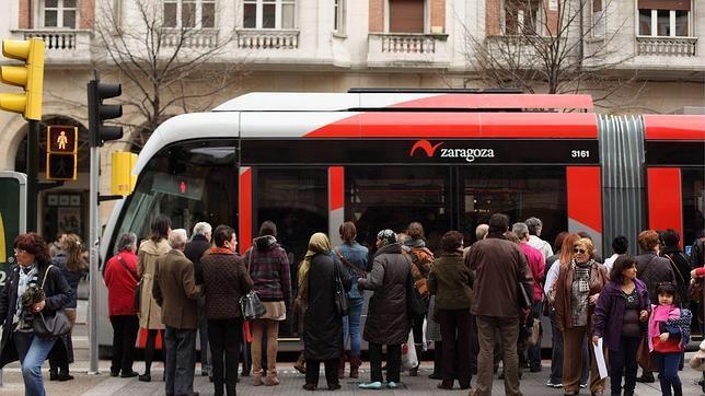 La línea del tranvía de Zaragoza, de 12,8 kilómetros, entró al servicio al completo hace menos de dos años
