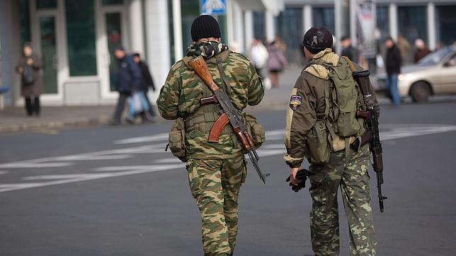 La OTAN confirma la entrada en Ucrania de camiones militares rusos