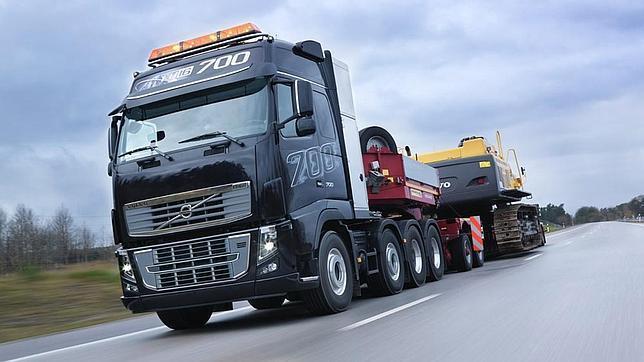 Piden formación específica para conducir los mega camiones