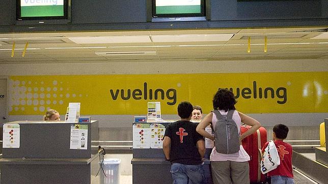 Vueling deberá pagar 3.000 euros por «abusar» de la facturación de maletas