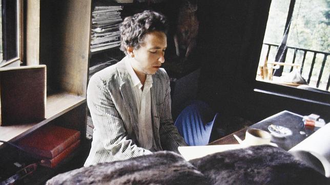 Bob Dylan en una imagen incluida en el libreto de «The Basement Tapes Complete: The Bootleg Series Vol. 11»