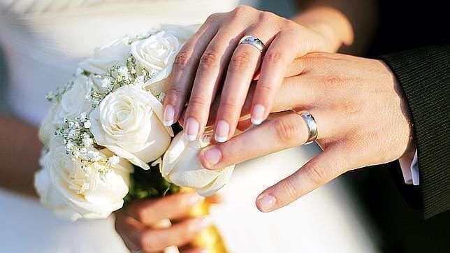 Se divorcia el día de su boda tras ver la cara de su mujer