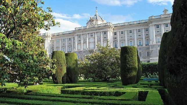 Las obras de mejora del pavimento de los jardines de for Jardines sabatini conciertos