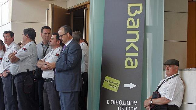 Condenan a Bankia por vender preferentes a un jubilado «casi ciego y sordo»