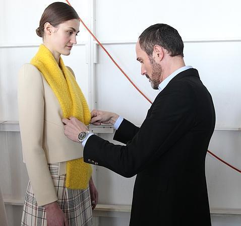 josep font donar los euros del premio nacional de diseo de moda