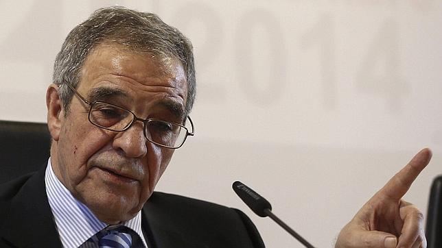 César Alierta anima a las empresas a subir los salarios