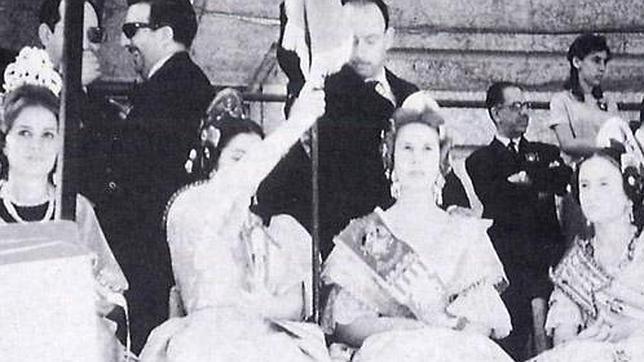 El día en que la duquesa de Alba se convirtió en fallera mayor del Mercat