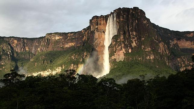 Vista panorámica del Salto Ángel, en el Parque Nacional Canaima