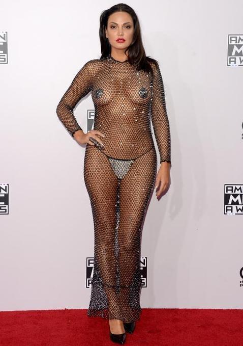 La artista Bleona Qereti en los American Music Awards