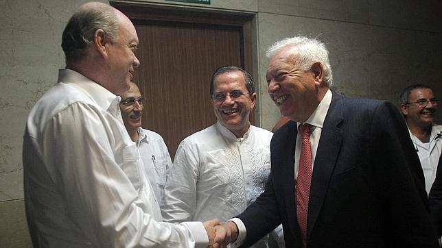 Margallo realiza en Cuba una contundente y valiente defensa de la democracia