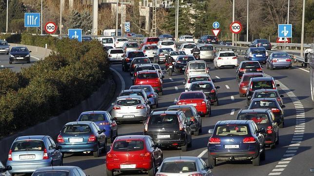La distancia de seguridad es una norma esencial en el tráfico rodado.
