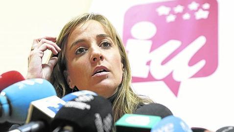 IU somete a un examen a Tania Sánchez