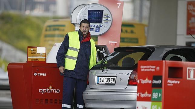 El descenso de precios en noviembre se debe a la rebaja de la gasolina y la electricidad
