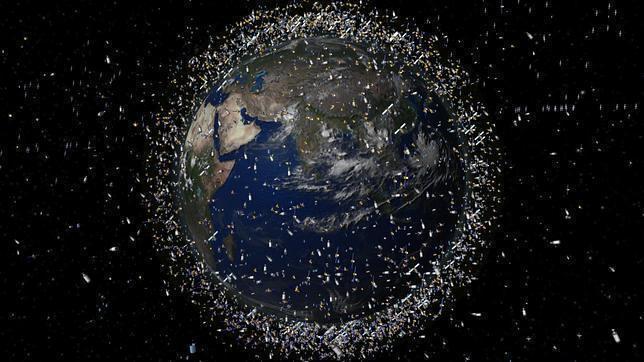 Un guante, tornillos y 70.000 gotas radiactivas: esta basura flota en el espacio