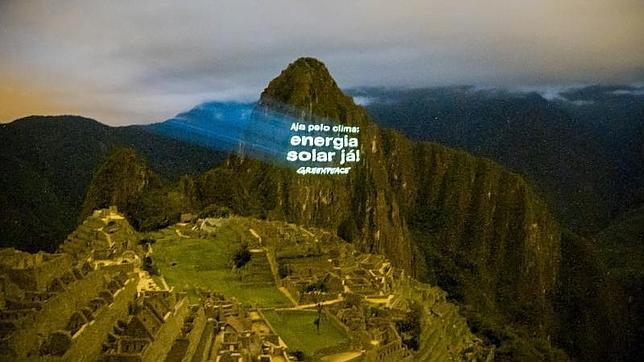 Greenpeace pide salvar el clima desde las ruinas incaicas del Machu Picchu (Perú)