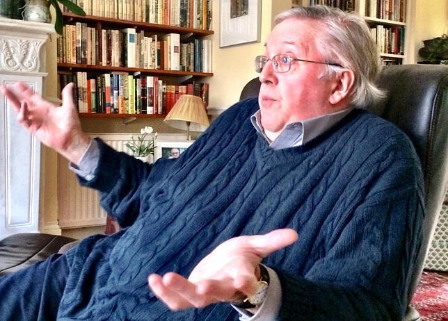 Paul Preston, en su casa, durante la entrevista