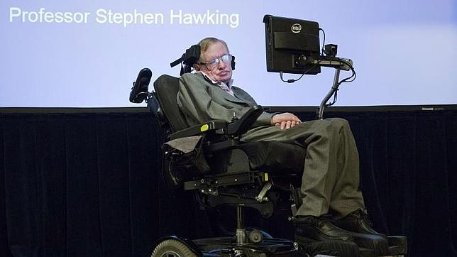 Stephen Hawking durante una conferencia en Londres