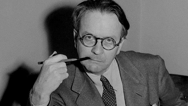Chandler tuvo éxito como autor de novela policiaca desde los años treinta, cuando creó a Marlowe
