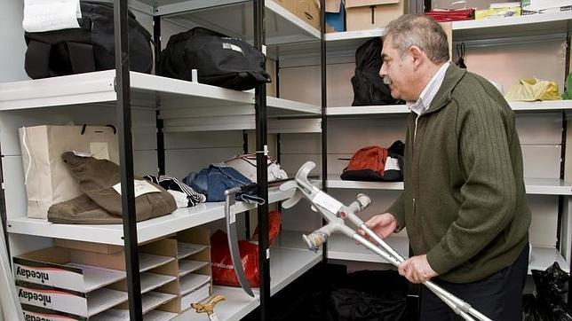 Madrid recauda euros en la subasta de objetos perdidos for Oficina registro madrid