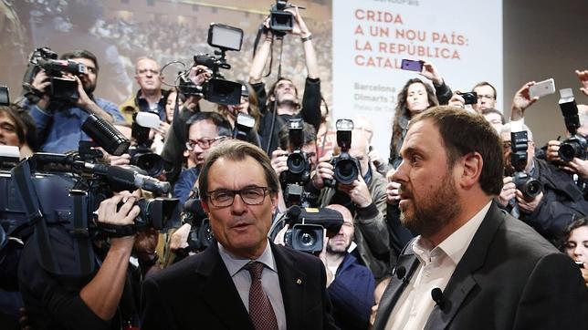 Junqueras, junto al presidente catalán, Artur Mas