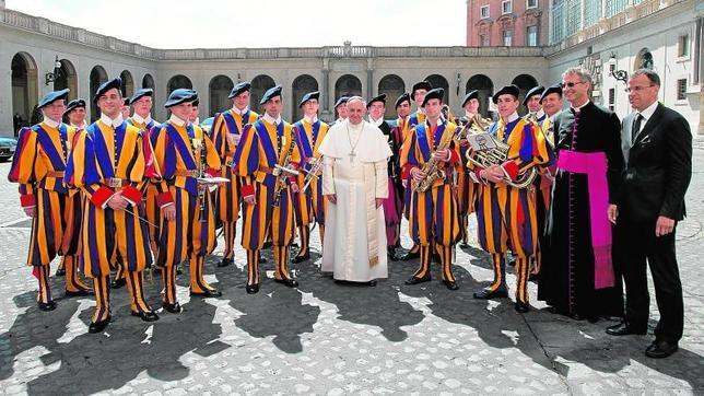 e26aa1b25 Relevo en el Ejército del Papa