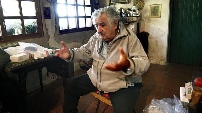 José Mujica: «A los que les gusta mucho el dinero hay que echarlos de la política»
