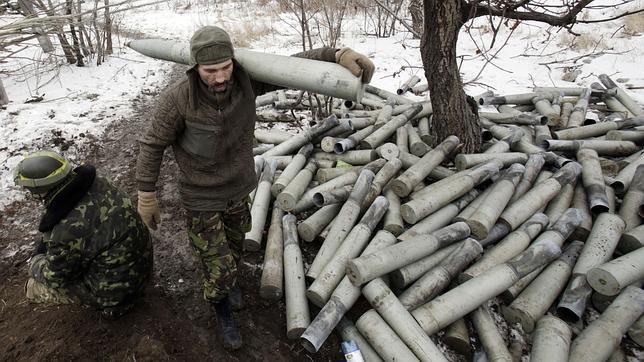 Artilleros ucranianos en el frente de la región de Donetsk, en el este del país