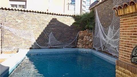 Diez casas con piscina climatizada en madrid for Precio piscina climatizada