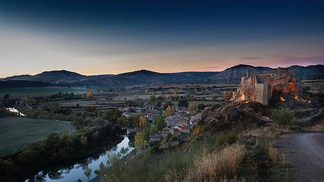 El Castillo de Zorita está rodeado por el Tajo y su arroyo Badujo