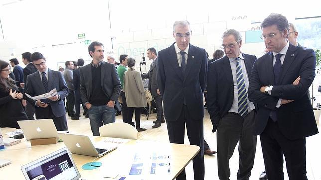 Feijóo y Conde se interesan por los proyectos junto a Alierta