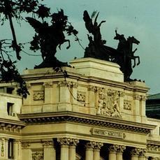 La odisea de la Gloria y los Pegasos, las estatuas del Ministerio de ... - ABC.es