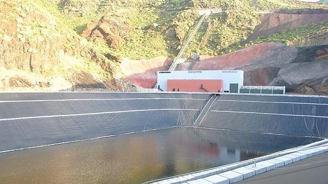 Seychelles se interesa por los avances de El Hierro en la gestión energética