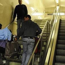 La hora bruja a la que dejan de funcionar las escaleras mecánicas ... - ABC.es