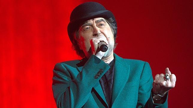 Joaquín Sabina, en un momento del concierto que tuvo que acabar antes de tiempo en Madrid