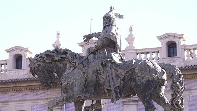 Imagen de la estatua de Jaime I en Valencia captada este miércoles