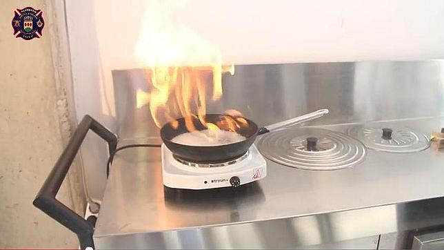 C mo apagar el fuego de una sart n - Grado medio cocina y gastronomia ...