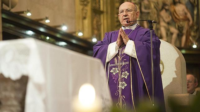 El nuevo arzobispo de Zaragoza llama a la «regeneración moral» y pedir por los políticos