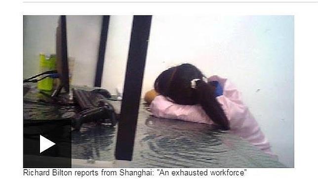 Captura del programa emitido por la Cadena BBC que denuncia las condiciones de trabajo de los proveedores de Apple