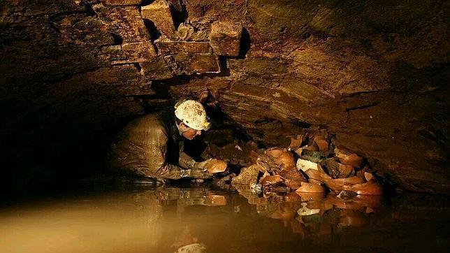 bajoforoimperial  644x362 - Roma subterránea: lagos, tumbas y cloacas que nunca viste bajo la ciudad Eterna