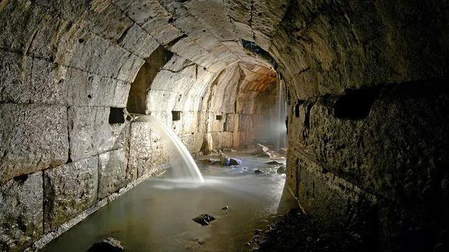 cloaca%20maxima  644x362 - Roma subterránea: lagos, tumbas y cloacas que nunca viste bajo la ciudad Eterna