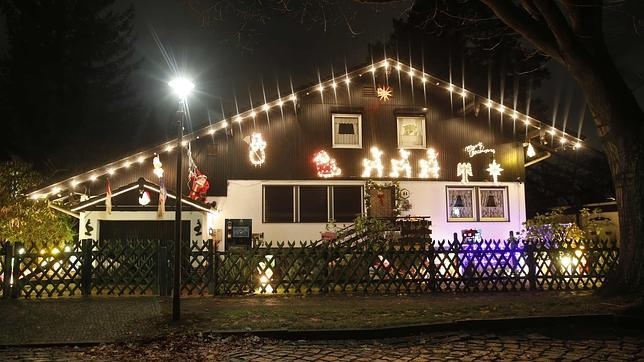 13c6e5ab62a Cómo evitar que la decoración de Navidad incendie tu casa