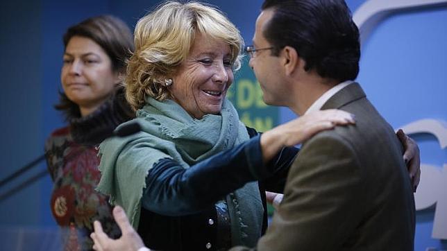 Aguirre despide, el martes, a su pupilo Lasquetty en presencia de Lucía Figar