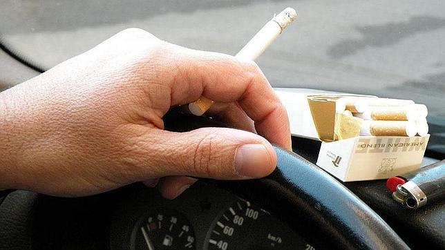 Olor a tabaco lo que m s desagrada a los conductores - Eliminar olor de tabaco en casa ...
