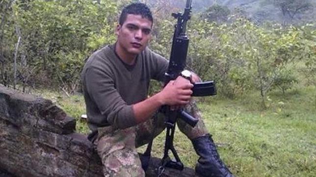 Las FARC liberan al soldado colombiano secuestrado un día antes del inicio del alto el fuego