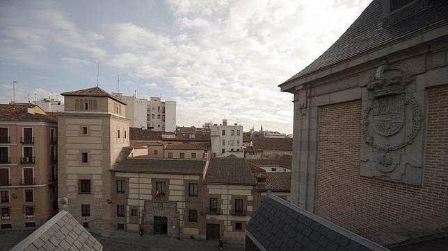 La Torre de los Lujanes, vista desde los tejados de la Casa de la Villa, tras finalizar su remodelación