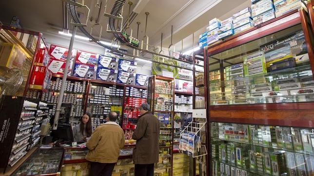 Interior del bazar matey que despu s de 60 a os en for Bazar en cordoba