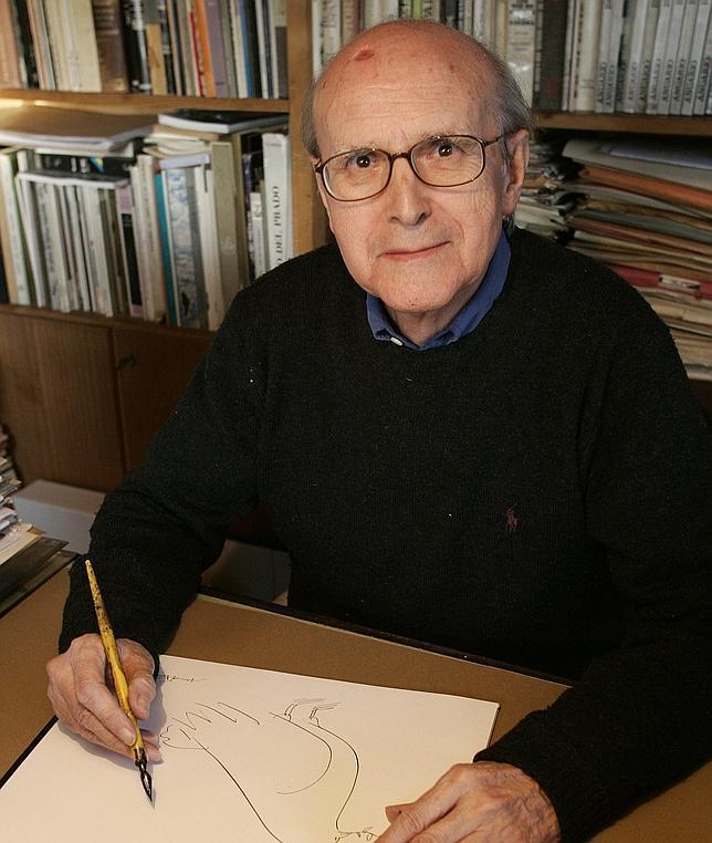 El dibujante Máximo, fotografiado en su domicilio en abril de 2008