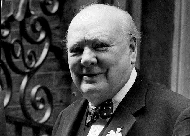 Winston Churchill, en junio de 1952 en el número 10 de Downing Street, en Londres