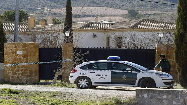 Imagen de la vivienda en la que aparecido un joven muerto por un hachazo