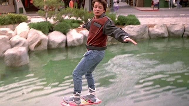Captura de una de las secuencias de «Regreso al Futuro II»